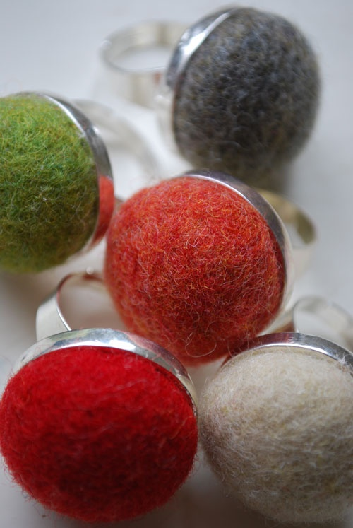 squee. felted wool ring