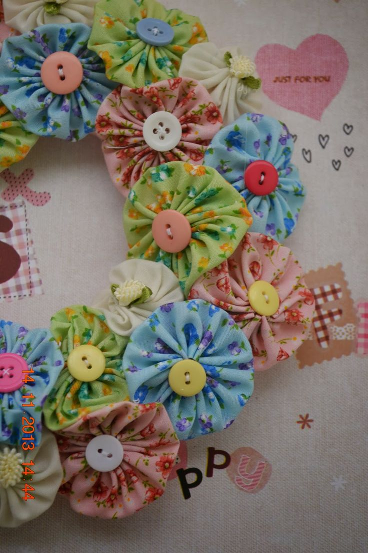 Bows and Ribbons: Yoyo Flower Wreath