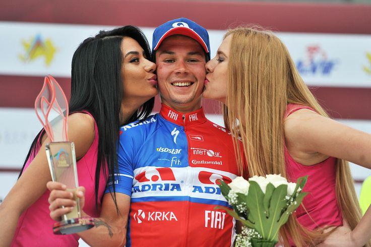 Kisses for the winner!   © Photo: Mario Stiehl #TourDAz #bicycle #cycling #bike #keepcycling #cyclist #finish #Synergy #Baku #Azerbaijan