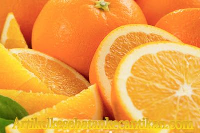 Manfaat Dan Khasiat Jeruk Nipis Untuk Kesehatan Dan Kecantikan http://www.artikelkesehatankecantikan.com/2016/05/manfaat-dan-khasiat-buah-jeruk-untuk.html