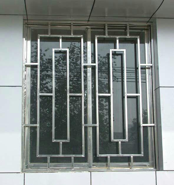 door - to mirror stairs