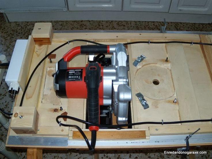 Sierra circular bajo el tablero y sistema de recogida del cable