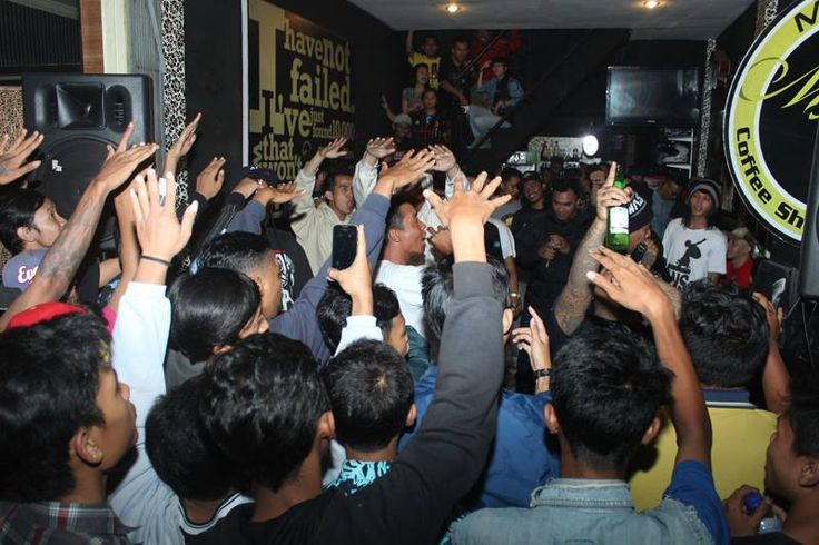 Hip Hop Party on Cafe