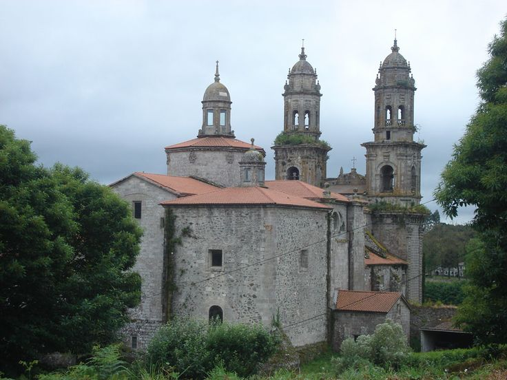 O Mosteiro de Sobrado dos Monxes.
