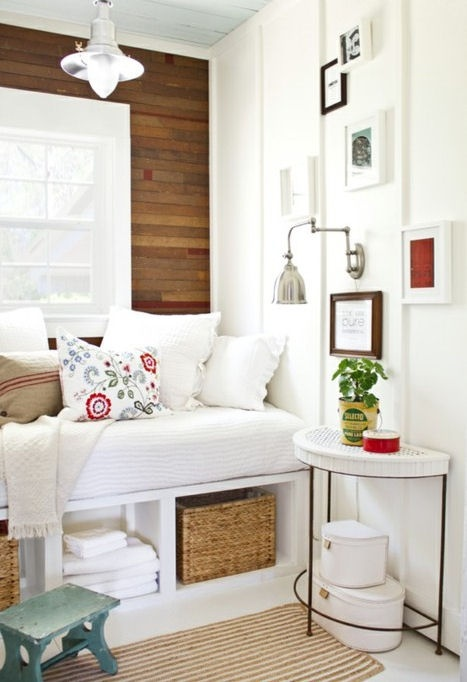 cosy nookGuest Room, Ideas, Cozy Nooks, Windows Seats, Reading Nooks, Bedrooms, Small Spaces, Reading Room, Wood Wall