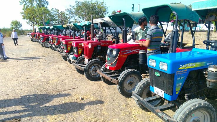 Free Mega Service Camp by our authorized Dealer Shree Gujarat Tractors - Amreli.  Attended to maximum nos. of Captain tractors and defined its unique Identity.  Appreciated by all customers.. Added goodwill to Captain Tractors.  #CaptainTractors #FreeMegaServiceCamp #AuthorizedDealer #Amreli