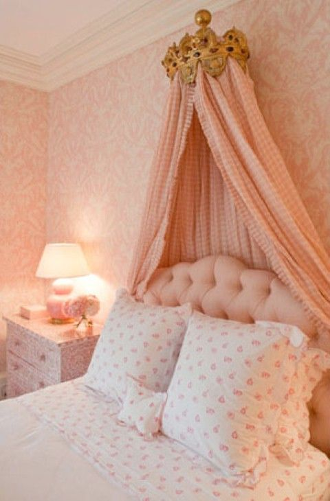 1000 images about coral peach cottage on pinterest for Peach bedroom decor