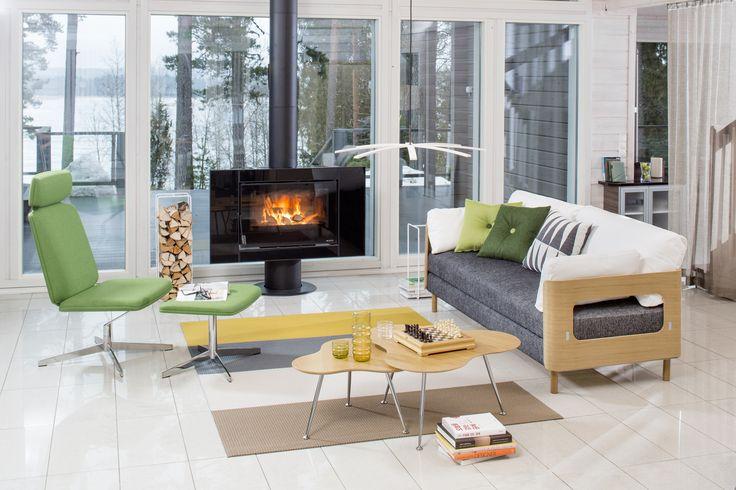 ON-sarja on Tapio Anttilan Pedrolle suunnittelema kalustesarja, johon kuuluu vuodesohvia ja tuoleja. Kuvan tuotteet: ON tuoli, ON vuodesohva, Triple rahi ja pöytä. Kuvassa esillä myös Nordic Hysterian valaisin, Showroom Finlandin Mixrack teline ja Woodnotesin matto. #habitare2015 #design #sisustus #messut #helsinki #messukeskus #tapioanttila #pedro #furnituredesign #sofabed #lounge #finnishdesign #triple