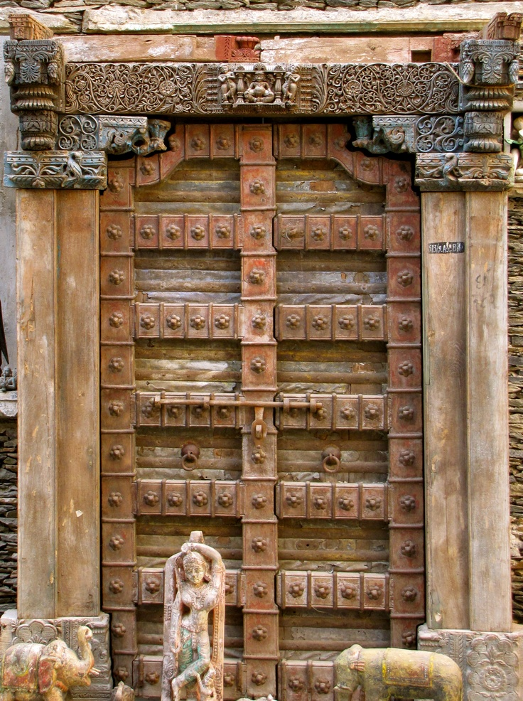 Antique hand carved indian door an eye on the world for Interior door designs india