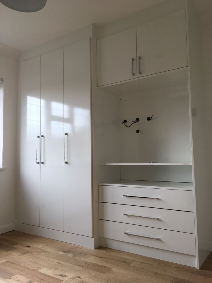 Best The Perfect Solution For Fitted Wardrobes In A Small Room 400 x 300