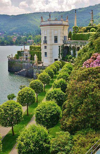 Clipped citrus allee | Isola Bella, Lake Maggiore, Italy