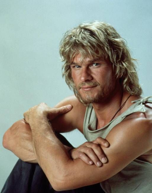 Patrick Swayze before the disgusting surgery tat spoiled his good looks!