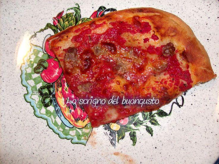 PIZZA DOPPIA                                                               CLICCA QUI PER LA RICETTA http://loscrignodelbuongusto.altervista.org/pizza-doppia-ricetta-lievitata/                                     #pizza #ricettesalate #cucinaitaliana #FoodBlogger #loscrignodelbuongusto