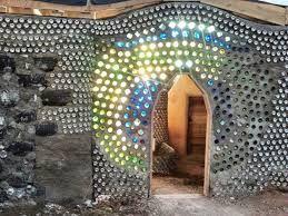Image result for parede de garrafa de vidro