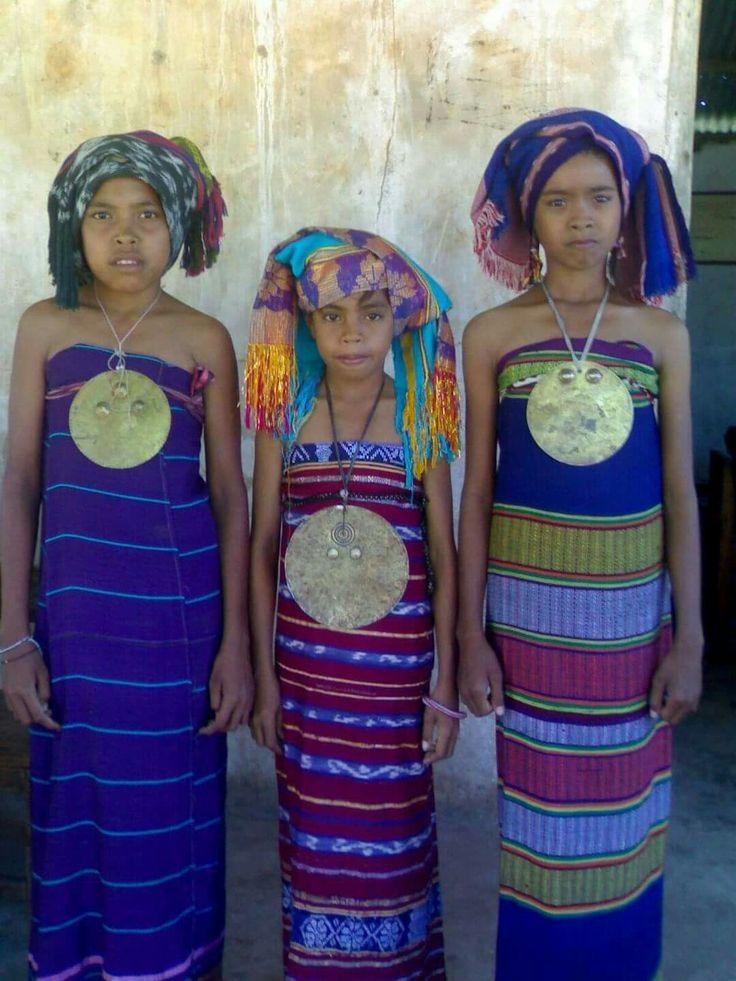 custom clothing Lakor island - Southwest Maluku district