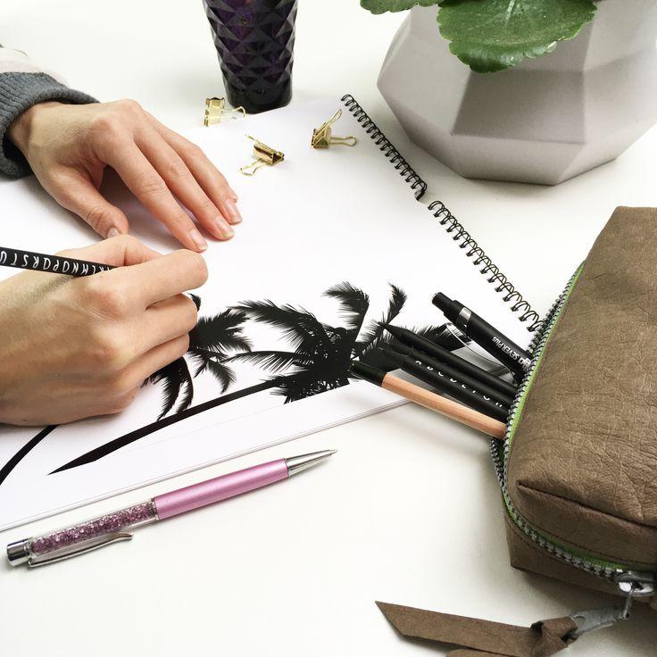 Pouzdro na tužky nebo jiné věci ušité z papíru AGED chocolate