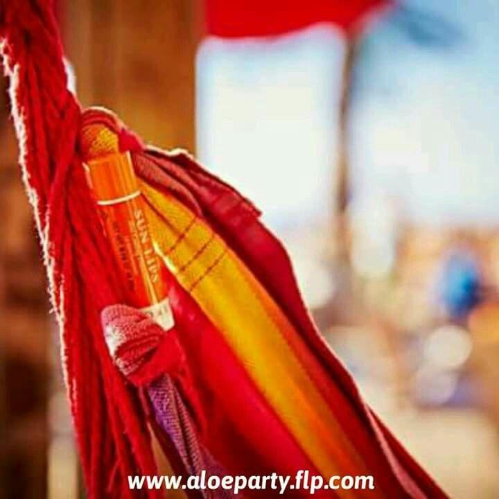 Προστατέψτε τα χείλη σας από τον ήλιο με τις ευεργετικές ιδιότητες της αλόης βέρα. 🌞 Το Forever Sun Lips με αδιάβροχη σύνθεση και δείκτη προστασίας SPF 30, θα γίνει ο καλύτερος σύμμαχος στις καλοκαιρινές σας διακοπές!  Βρείτε το στο www.aloeparty.flp.com :)  #Foreversunlips #aloevera #aloepartygreece #sunprotection #ProtectYourSkin