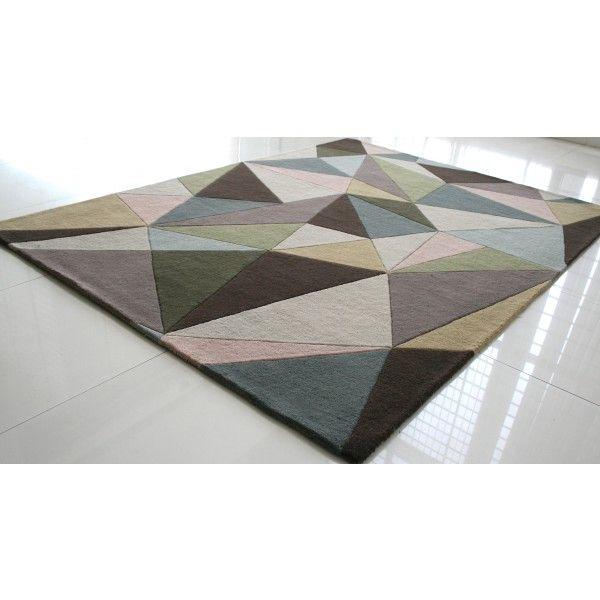 Dywan z geometrycznym wzorem ( #mozaika ) z miłą w dotyku strukturą.