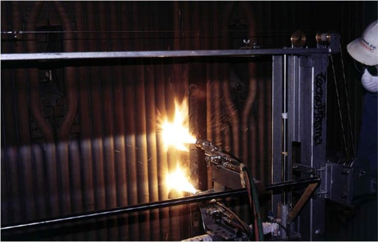 Proyección térmica 7 / Thermal spray 7 / Projection thermique 7. TMCOMAS