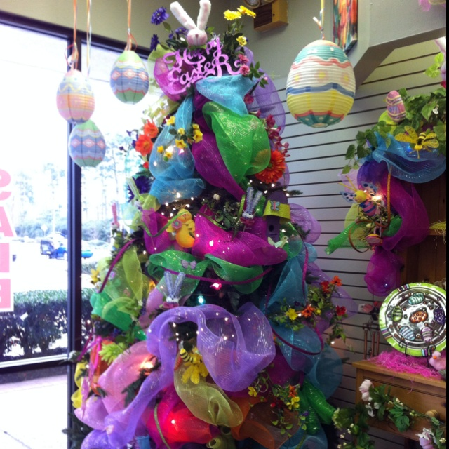 Decorate Christmas Tree Like Department Stores: 16 Best Easter Christmas Trees Images On Pinterest