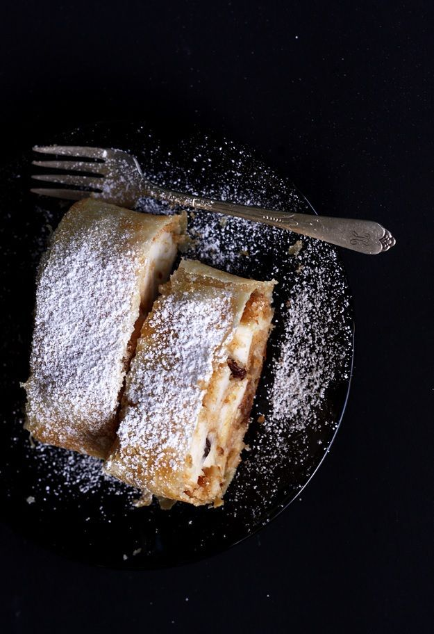 On Sundays my granny often makes this original Austrian Appelstrudel. Most of the time I would help her slicing the apples and streching the dough. It's always fun!