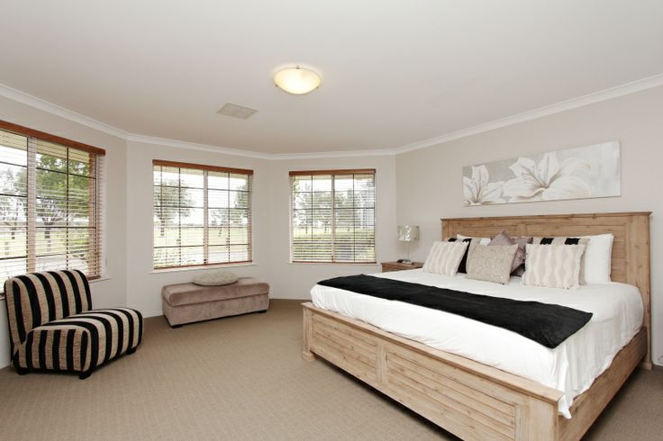 Adare House - Luxurious Master Bedroom (King Bed)