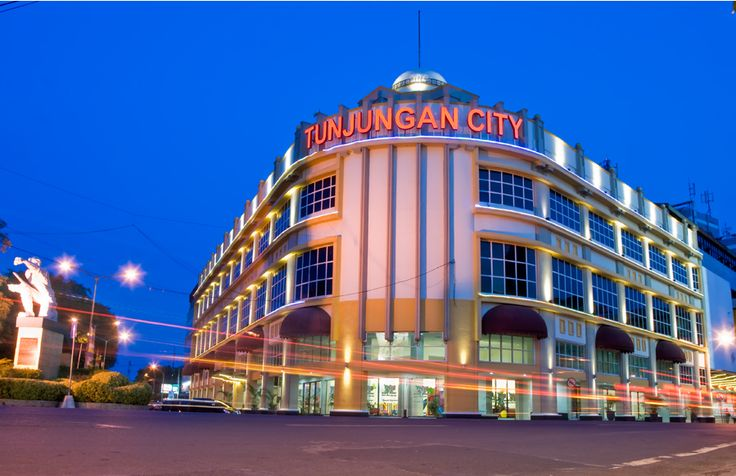 Tunjungan Surabaya 2011