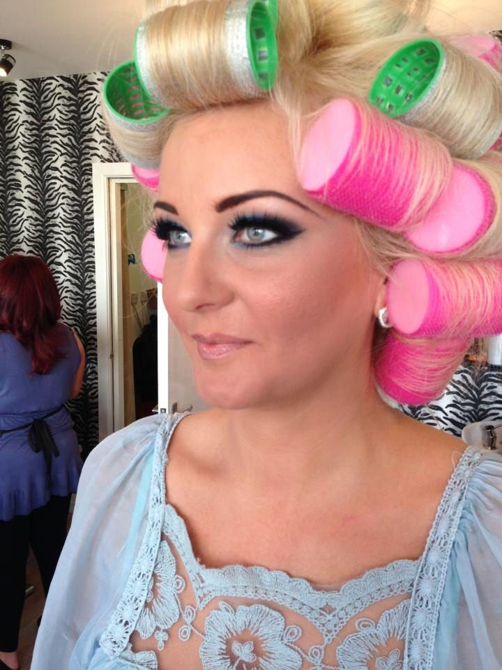 131 best images about blonde bouffant on pinterest my for Makeup salon