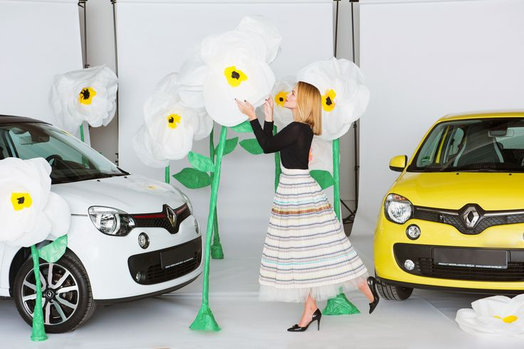 Twingo meets Fashion. Shooting with Diana Delo (www.dianadelo.com) for Renault and the sisterMAG21 cover, photo: Marco Di Filippo Skirt: Evi Neubauer Hair & MakeUp: Jana Kalgajeva