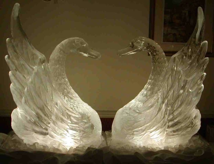 wedding ice sculptures | Here is a collection of amazing ice sculptures for weddings. No doubt ...