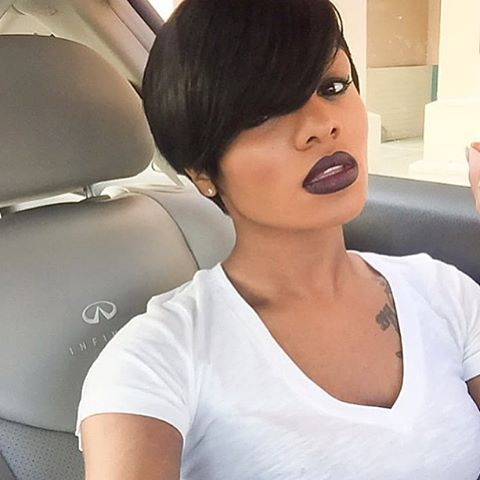 HAIRSPIRATION| In love this this #shortcut ✂️ on @poisonnnn_ ❤️ So chic That #lipcolor is EVERYTHING #VoiceOfHair ======================== Go to VoiceOfHair.com =========================Find hairstyles and styling tips! =========================