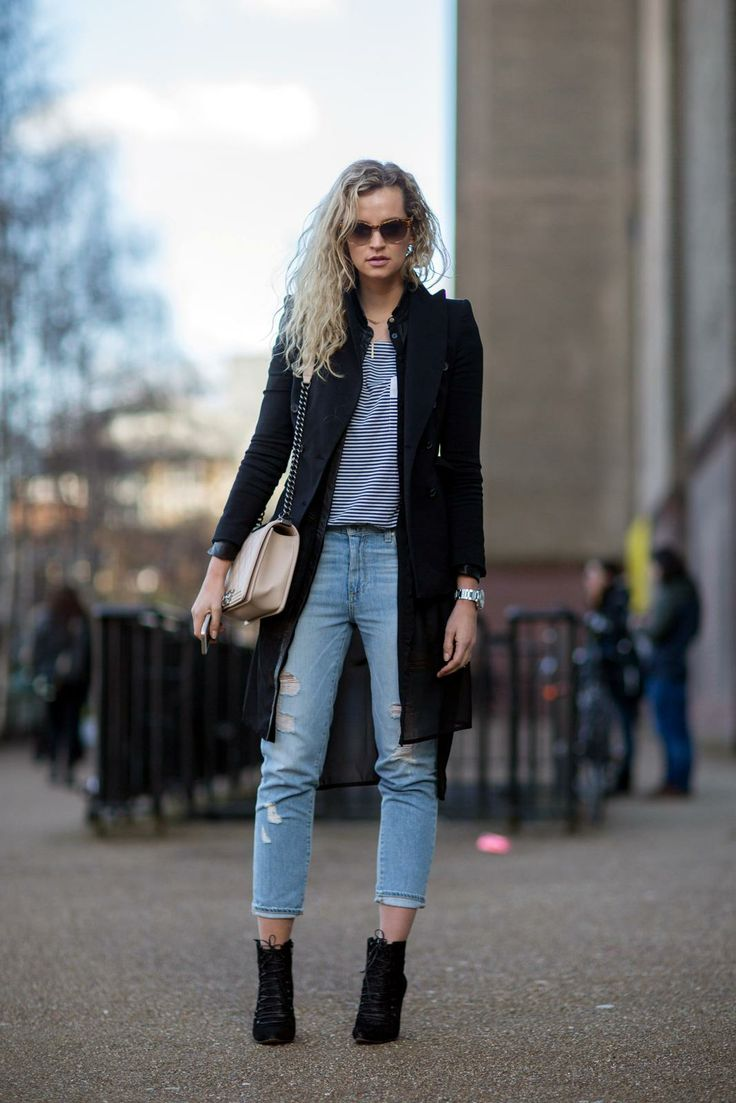 25  best ideas about Ripped jeans look on Pinterest | Ripped jeans ...