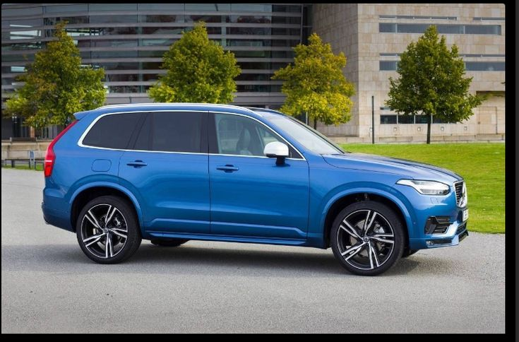 The 2018 Volvo XC90 offers outstanding style and technology both inside and out. See interior & exterior photos. 2018 Volvo XC90 New features complemented by a lower starting price and streamlined packages. The mid-size 2018 Volvo XC90 offers a complete lineup with a wide variety of finishes and features, two conventional engines.