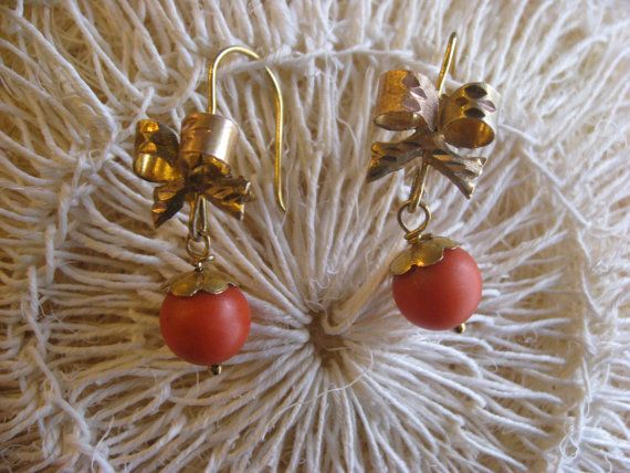 Vintage Gold Bow Earrings with Coral from Mexico by EyesVintage
