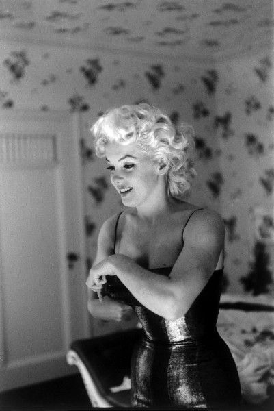 Marilyn monroe | black & white | photography | cool | corset | glamour | vintage | actress | icon | www.republicofyou.com.au