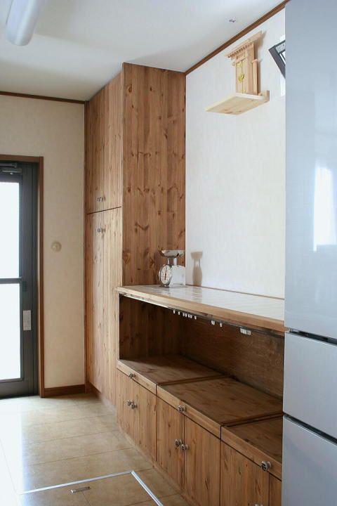 レンジ収納カウンターとキッチン収納キャビネット