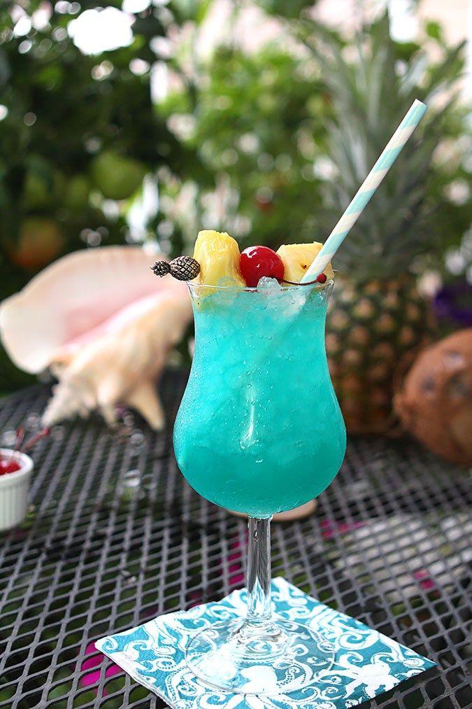 Super Les 25 meilleures idées de la catégorie Cocktail bleu hawaï sur  BG83