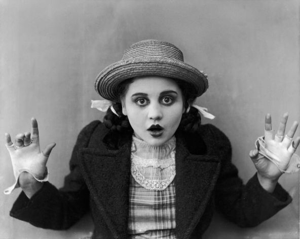 Young Bebe Daniels playing Dorothy in the silent film version of The Wizard of Oz