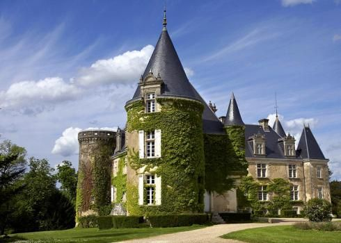 Chateau Du Campe for Rent in Dordogne, With Pool, Sleeps 37 | Simply Chateau