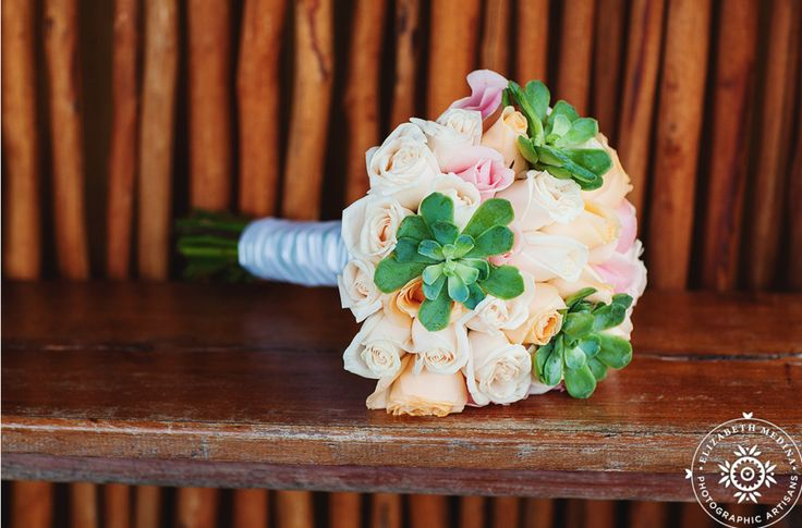 I love how the green just pops out against this soft pastelic bridal bouquet #lizmooreweddings #lizmooreweddingsmexico #lizmoorweddingsbrides #lizmooreweddingsflowers