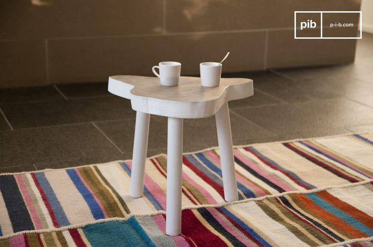 Een natuurlijk karakter met een prachtig tafelblad die een Scandinavische touch toevoegt.