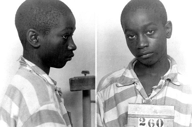 """George Stinney Jr., 14 anni, fu giustiziato il 16 giugno 1944 per avere ucciso due bambine nella Carolina del Sud, dove erano in vigore norme sulla segregazione razziale. Il giudice che mercoledì lo ha scagionato: """"Non mi viene in mente ingiustizia più grande della violazione di diritti costituzionali che questo caso ha dimostrato"""""""