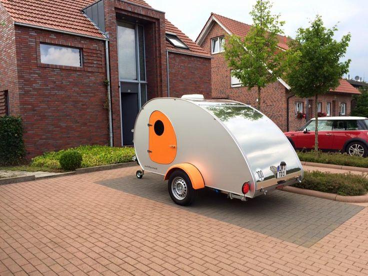 die besten 25 mini wohnwagen ideen auf pinterest betten f r camping nissan und camping betten. Black Bedroom Furniture Sets. Home Design Ideas