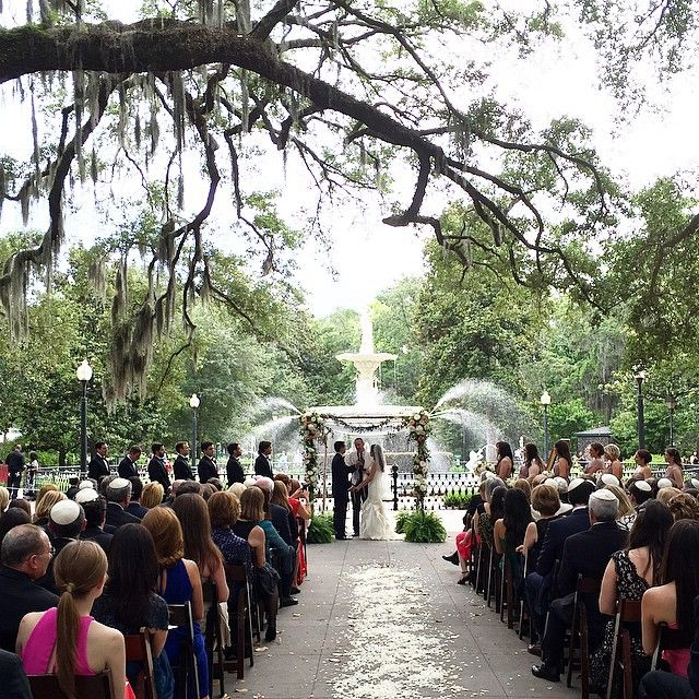 Forsyth Park Is One Of The Most Settings In Savannah Perfect For A Wedding I Do Weddings Pinterest And