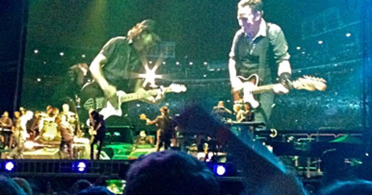 Bruce Springsteen Performs 'Atlantic City' With Eddie Vedder ...