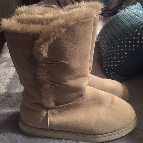 Old Navy Boots Old Navy Adoraboots, size 9. Only worn once or twice. Old Navy Shoes Winter & Rain Boots