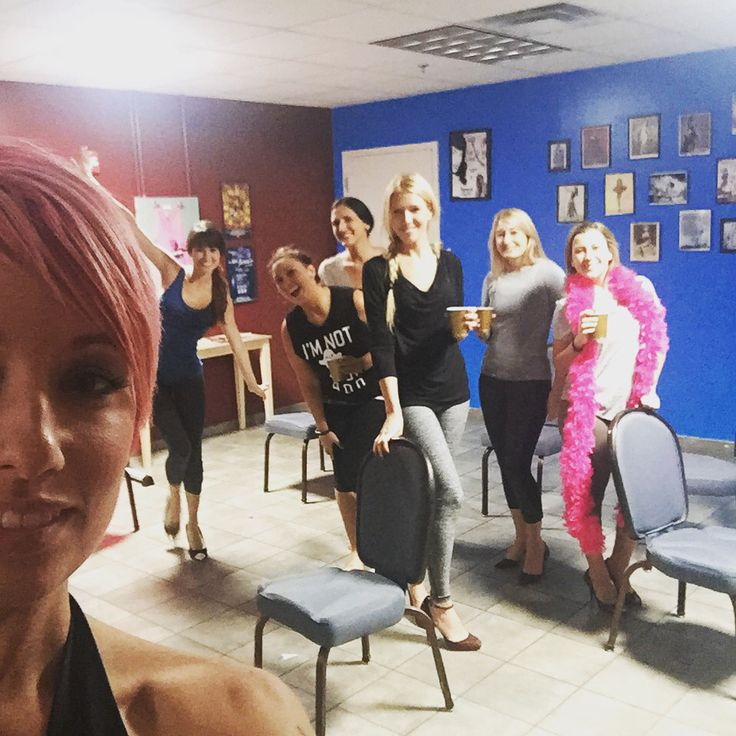Chair dancing class at The New Orleans School of Burlesque ...
