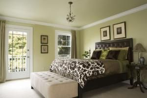 100 Tips, Tricks and Ideas for Decorating the Perfect Bedroom: Decorating Style: Transitional