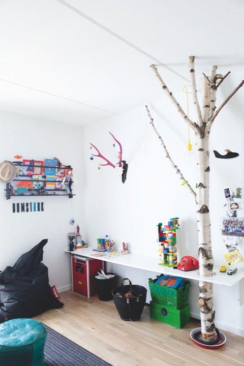 un arbre dans la chambre...