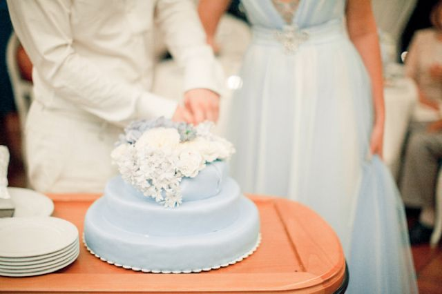 Powder blue wedding cake | Anastasiya Belik Photography | http://burnettsboards.com/2013/12/powder-blue-white-wedding/